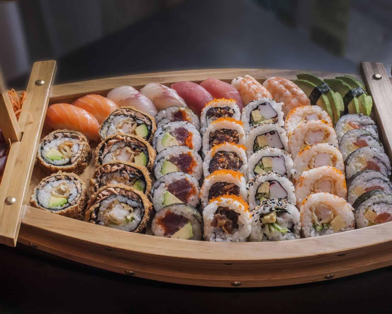 Cuantas calorias tiene un rollo de sushi
